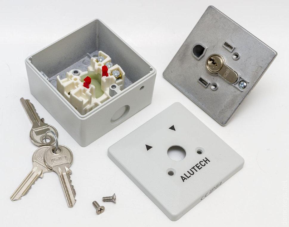 Выключатель накладной с ключами для рольставней SAPF
