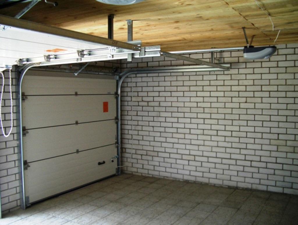 Секционные ворота для гаража с приводом Marantec