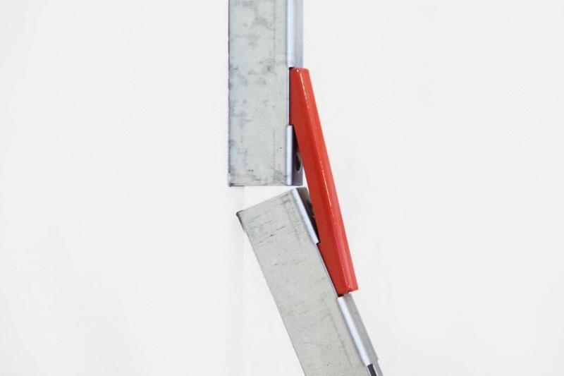 Предназначен для соединения вертикальных подвесных направляющих